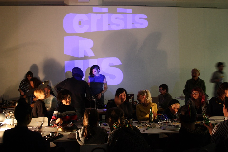 crisusRus NETWORK | RE:WORK, Workshop und Performance initiiert von LaptopsRus in Kooperation mit alpha nova und reboot.fm, 2014, Foto: alpha nova & galerie futura