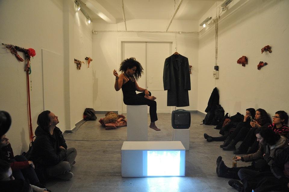 Plantation Memories, Performance von Nathalie Anguezomo Mba Bikoro, 2016, Foto: alpha nova & galerie futura