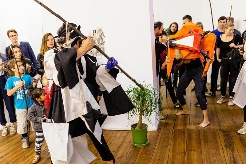 Performance von Sebastián Romo und Citali Maldonadoa im Rahmen des Project Space Festival im Grimmmuseunm, Fichtestr. 2, 10967 Berlin